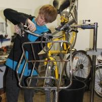 La Refab du vélo peut commencer : mécanique, roues, selles, pédales, tout peut être remplacé avec du matériel réutilisé ou neuf. Avec un objectif de réemploi à 75 %.